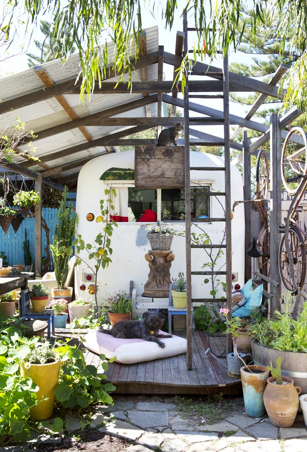 Bohemian Backyard Design : decordemon FREEMANTLE HOME Bohemian and Creative