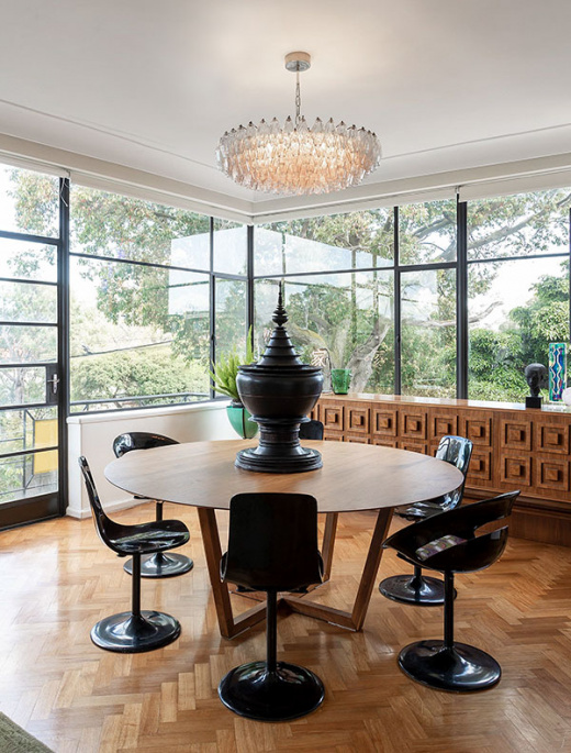 A Glittering, Glamorous Mid-Century Pad Is For Sale